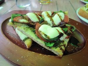 Margarita flat bread – yummy!