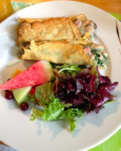 The mushroom spinach and ham crepe in a white wine cheese sauce. Delish!