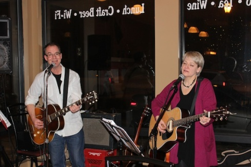 Tim Craig and Julie-Anne Lizewski play to a toe-tapping crowd at Queen's Bakery in Blyth.