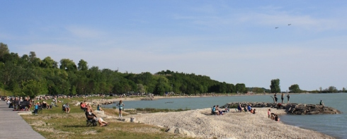 Clusters of people lined the beach and the bluffs at Goderich, getting good seats from which to watch the air show.